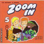 Zoom In 5 Class CDs ( editura : MM Publications , autor : H.Q. Mitchell , ISBN 978-960-379-302-1 )