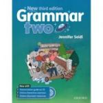 Grammar two ( editura: Oxford University Press, autor: Jennifer Seidl, ISBN 978-0-19-443040-1 )