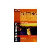 NEW CUTTING EDGE INTERMEDIATE WITH MINI DICTIONARY(editura Longman, autori: SARAH CUNNINGHAM, PETER MOOR isbn: 0-582-85217-2)