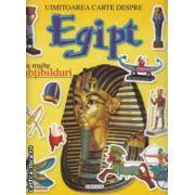 Uimitoarea carte despre Egipt cu multe abtibilduri