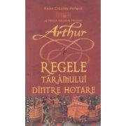 Regele taramului dintre hotare al treilea volum al trilogiei Arthur