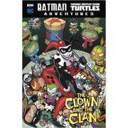 Batman / Teenage Mutant Ninja Turtles Adventures: The Clown and the Clan ( Editura: Raintree/Books Outlet, Autor: Matthew K. Manning ISBN 9781474766487)