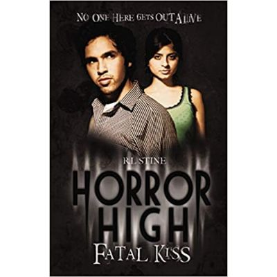 Fatal Kiss (Horror High) ( Editura: Scholastic, Autor: R. L. Stine ISBN 9781407111483 )